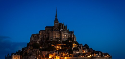 Mont Saint Michel in Normandy, France at sunrise. Cropped to 16 : 9 aspect ratio(Olympus OMD EM-5, 20 sec, ƒ8, 24mm, ISO200)