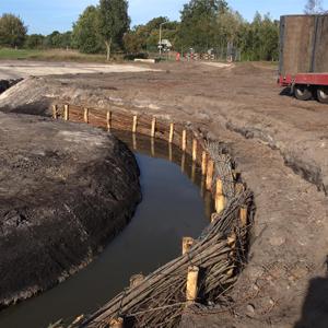 Loonbedrijf Kennes waterloop graven
