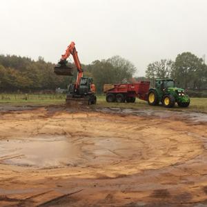 Loonbedrijf Kennes uitgraven vijver