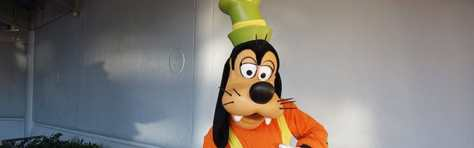 Goofy Epcot meet and greet KennythePirate