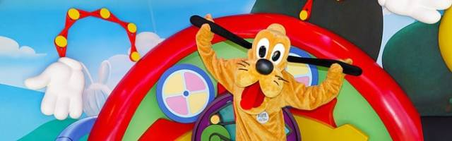 Pluto Hollywood Studios meet and greet KennythePirate