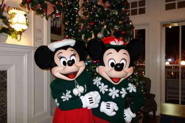 Mickey and Minniexmas boardwalk (7)