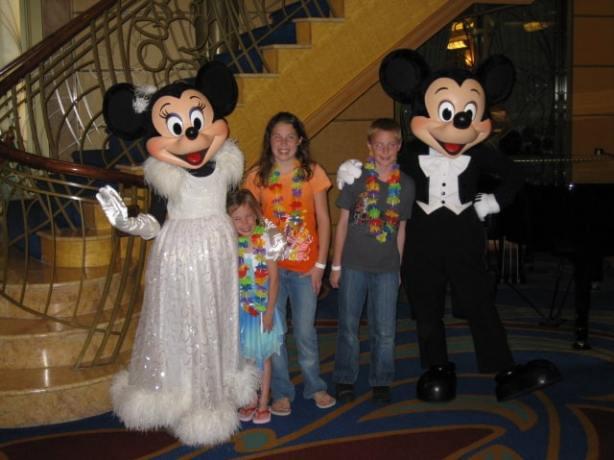 Mickey & Minnie 2009 DCL