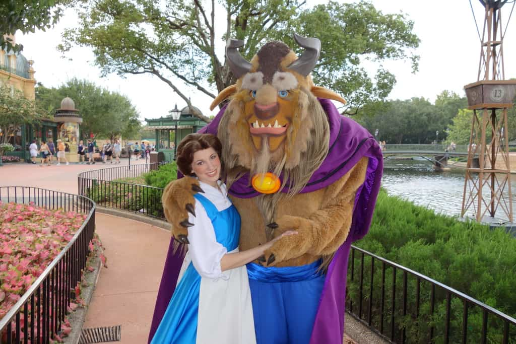 7 Disney World Character Meals That Offer Unique