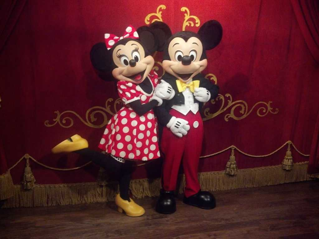 mickey mouse at town square theater in magic kingdom. Black Bedroom Furniture Sets. Home Design Ideas