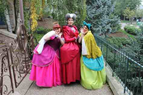 Anastasia, Lady Tremaine and Drizella at Disneyland Paris