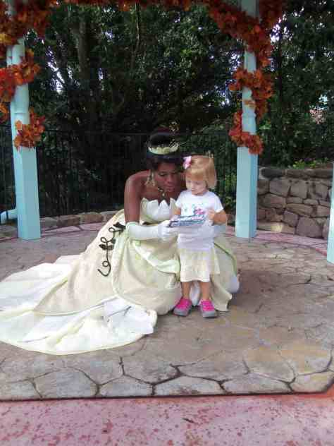 They waited a few minutes for Tiana to appear for her first set.