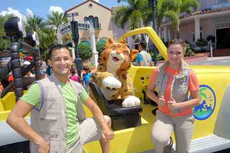Universal Studios Orlando Dora and Diego Baby Jaguar Meet and Greet (3)
