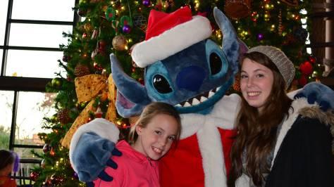 Santa Stitch Animal Kingdom Lodge Kidani Christmas Characters and Christmas Decor (27)