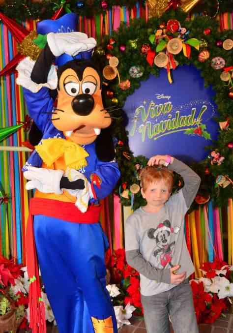 Disneyland Viva Navidad Rich Muller (19)