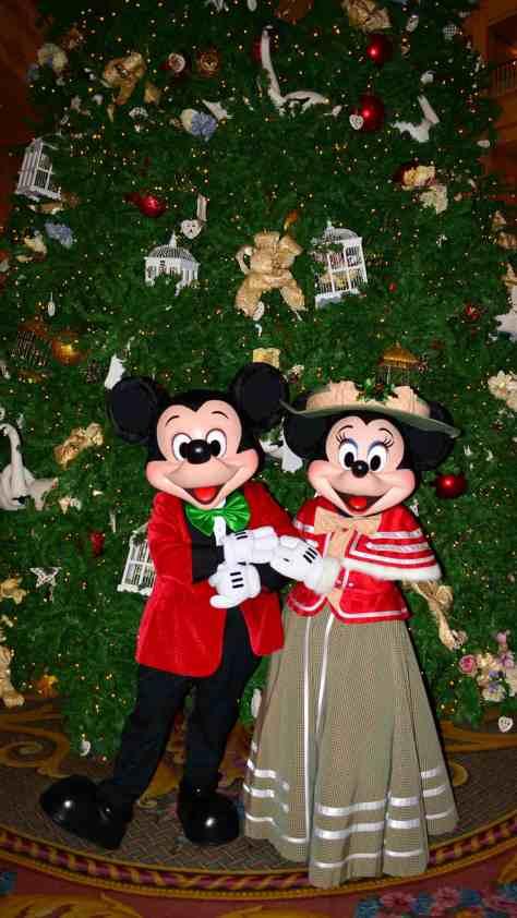 Walt Disney World Grand Floridian Christmas decor Christmas Characters Mickey and Minnie (42)
