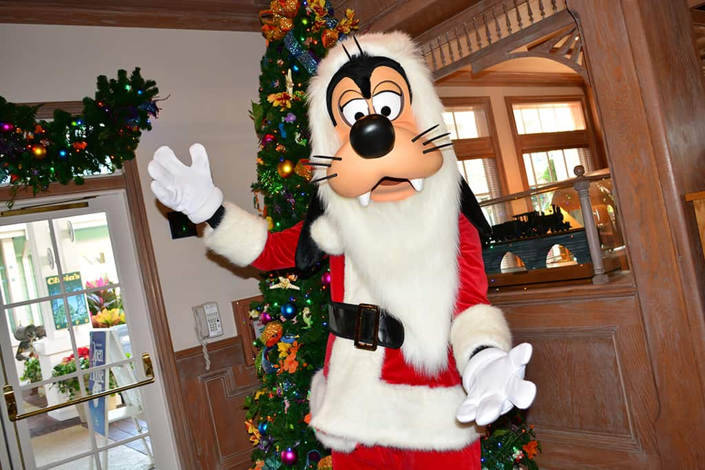 OLD KEY WEST RESORT CHRISTMAS CHARACTER SANTA GOOFY AND CHRISTMAS ...