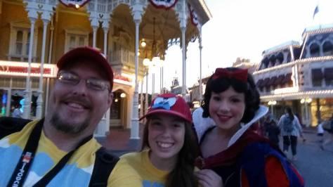 3 Snow White meet (1)