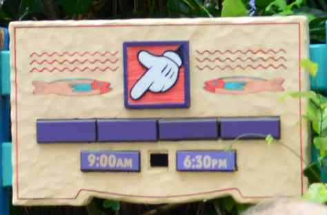 Sign at the Daisy and Donald meet in Animal Kingdom