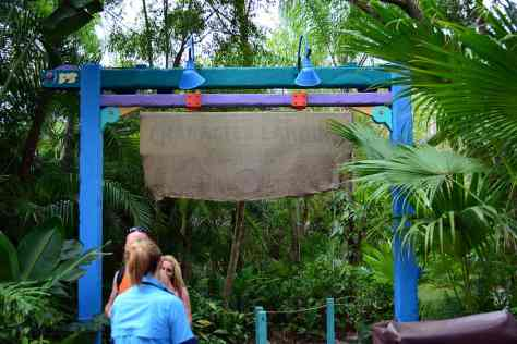 Fastpass+ still covered up for Daisy and Donald meet at Animal Kingdom