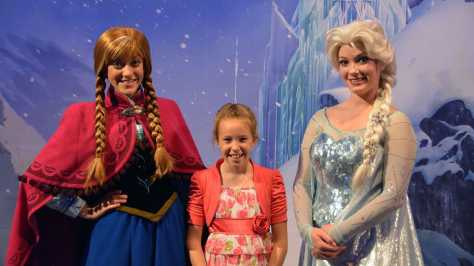 My Royal Coronation Breakfast with Anna and Elsa from Frozen (50)