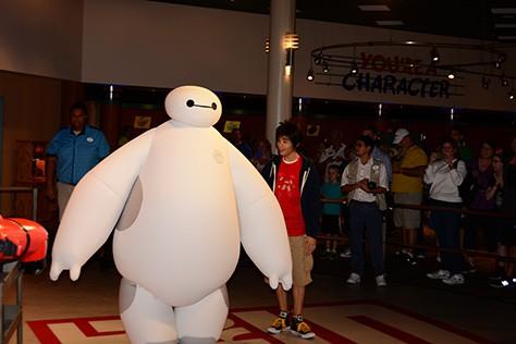Hiro and Baymax from Big Hero 6 at Disney Hollywood Studios in Walt Disney World (11)