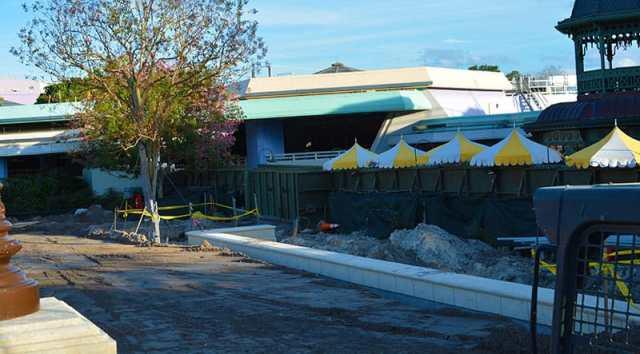Magic Kingdom hub construction 2015 (6)