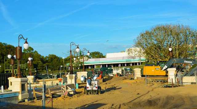 Magic Kingdom hub construction 2015 (9)