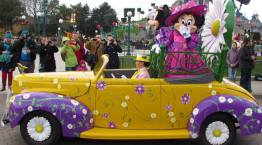Disneyland Paris Swing into Spring Minnie Mouse