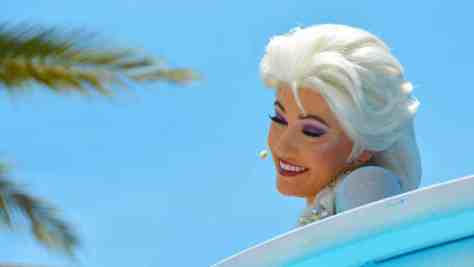 How to experience the Frozen Royal Welcome at Disney's Hollywood Studios #frozenfun #coolestsummerever Elsa