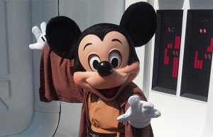 Disney characters will no longer dress as Star Wars characters