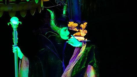 Hocus Pocus Villain Spelltacular at Mickey's Not So Scary Halloween Party 2015 (17)