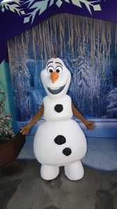 Olaf at Disney California Adventure 2015 (2)