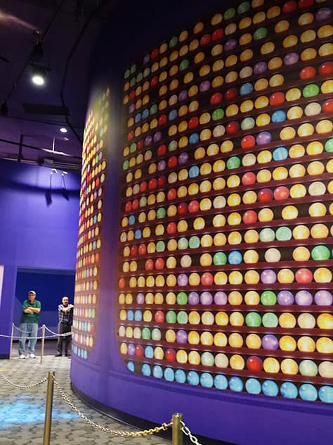 How to meet Joy and Sadness from Inside Out at Epcot in Disney World (9)