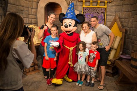 Mickey and Minnie's new meet and greet in Hollywood Studios (2)