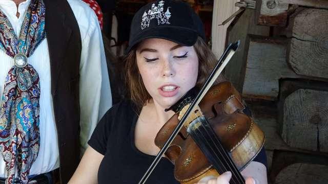 Farley the Fiddler at Disneyland (10)