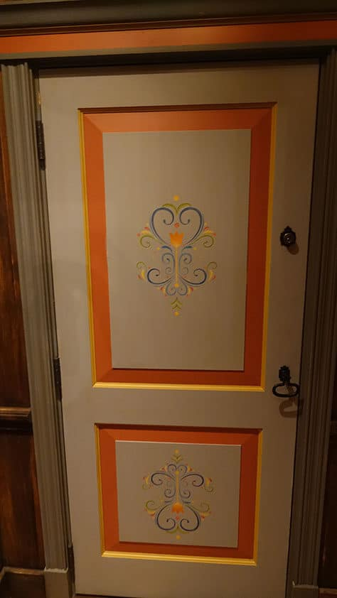Meet Anna and Elsa at the Royal Summerhus in Epcot (18)