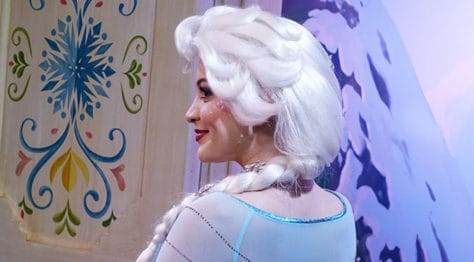 Meet Anna and Elsa at the Royal Summerhus in Epcot (41)