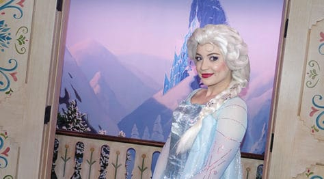 Meet Anna and Elsa at the Royal Summerhus in Epcot (49)