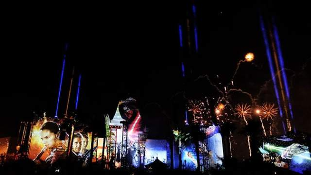 Star Wars A Galactic Spectacular Fireworks Dessert Party at Hollywood Studios in Walt Disney World (87)