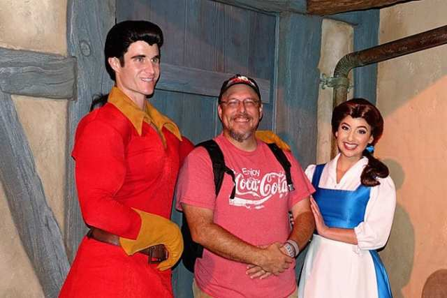 gaston-and-belle-at-mickeys-not-so-scary-halloween-party-with-kennythepirate
