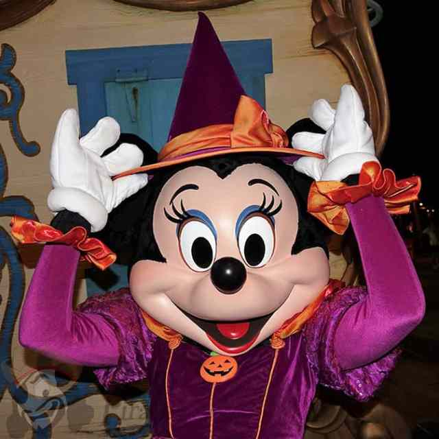 minnie-mouse-at-mickeys-not-so-scary-halloween-party