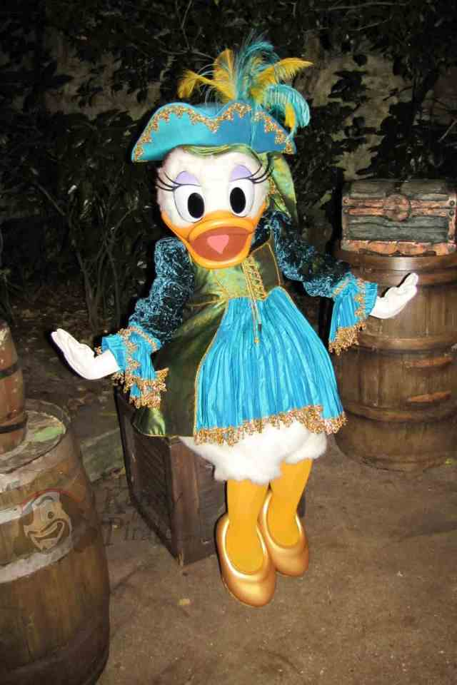 Daisy Duck at Disneyland Paris Halloween Party dressed as a Pirate