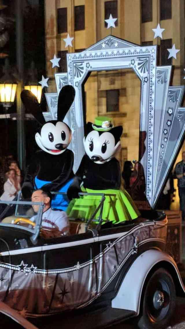 Ortensia-and-Oswald-at-Fandaze-in-Disneyland-Paris-2018.jpg