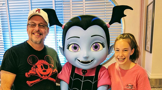 REVIEW: Hollywood and Vine Disney Junior Play n Dine Breakfast with Vampirina