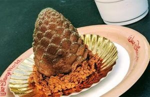 REVIEW: Chocolate Chestnut Pinecone and Frozen Hot Cocoa at Disney's Hollywood Studios