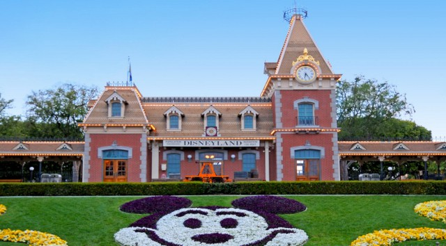 Disneyland Hotel Cast Member Gets a Second Chance at Life