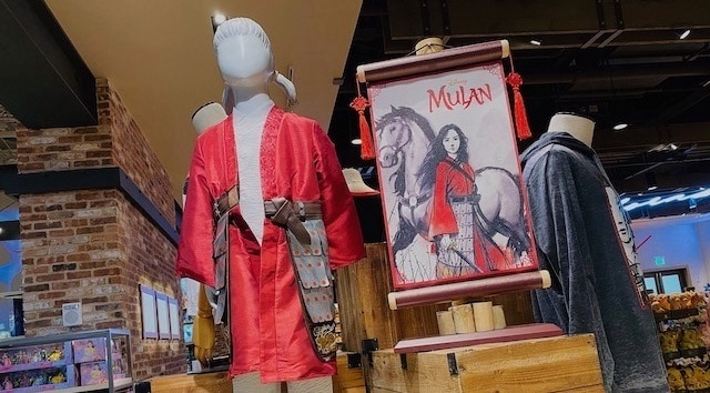 Live Action Mulan Merchandise And Special Screenings Kennythepirate Com