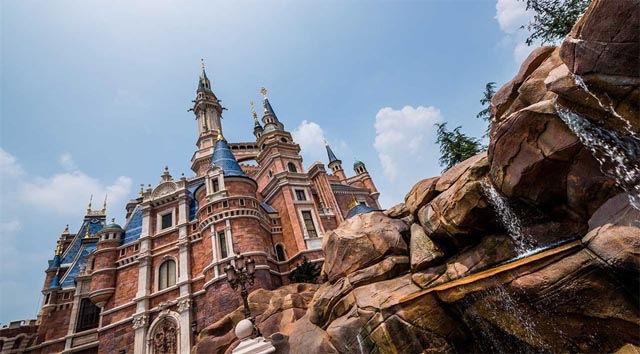 Shanghai Disneyland Reopening Will Include Limited Attendance and Annual Passholder Reservations