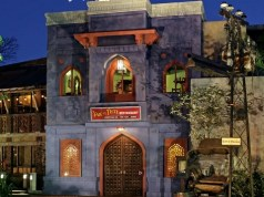 These Disney Restaurants Are Now Offering FREE Reward Cards
