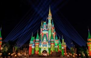 Video: Watch Walt Disney World transform into a magical Christmas wonderland!