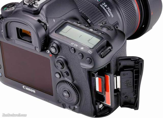 Does The Canon 5d Mark Ii Have Dual Card Slots