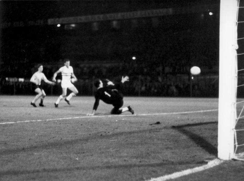 nederland-hongarije-1966. Eerste goal Johan Cruijff