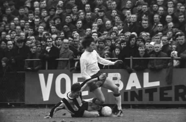 Bennie-Hofs-en-Gerrie-Mühren-Vitesse-Ajax-1970
