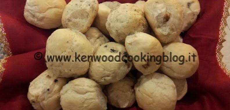 Ricetta panini all'olio con noci, olive e erbe aromatiche Kenwood